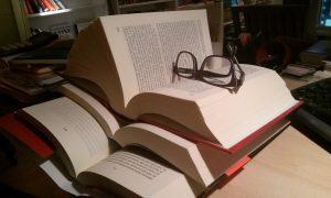 foto libros gafas
